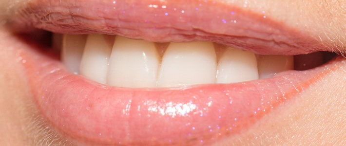 איך עושים ניקוי לשיניים טוב